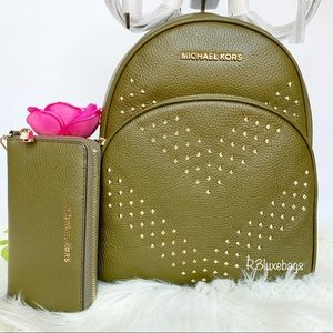 NWT Michael Kors Abbey Studded Backpack n Wallet